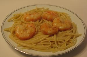 sauteed shrimp with white wine sauce and linguine