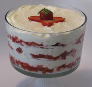 strawberry cheesecake trifle (2)
